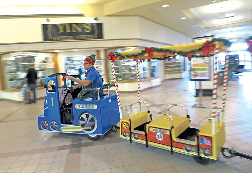 Elf trolley in the University Mall - MATTHEW THORSEN