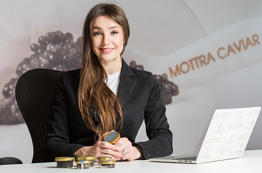 Iveta Sarova Parker - OLIVER PARINI