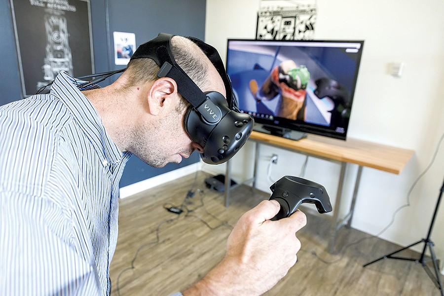 Steven Berlin using the Varises simulator - OLIVER PARINI