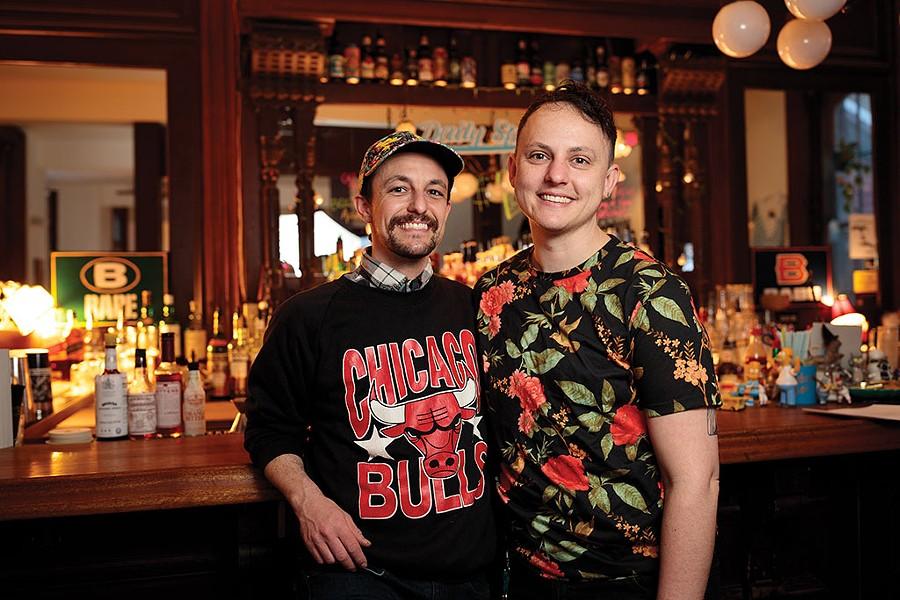 Babe's Bar - BEN DEFLORIO