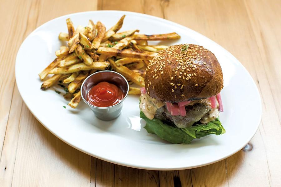 Burger - SHEM ROOSE