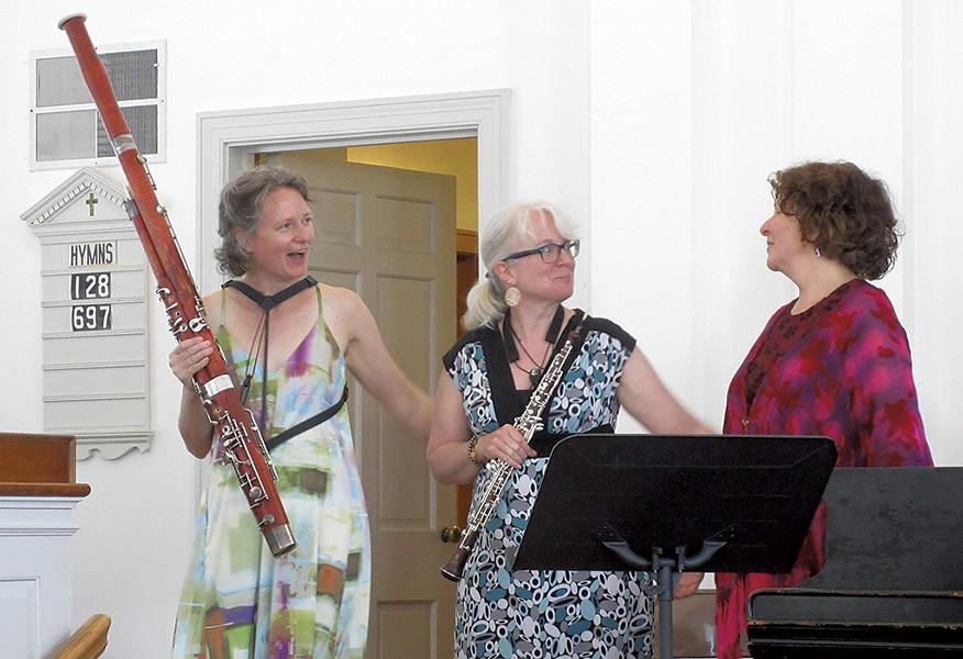 Rachael Elliott, Katie Oprea and Cynthia Huard of Heliand Consort - AMY LILLY
