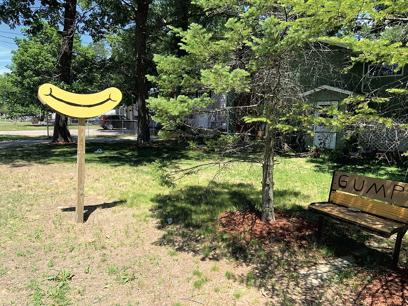 """Grin sign and """"GUMP"""" bench - KEN PICARD"""