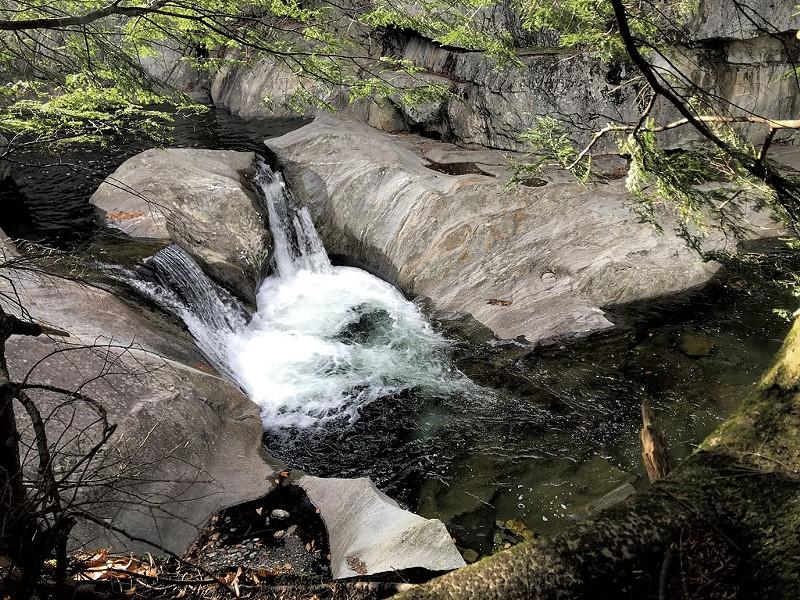 Warren Falls - CHELSEA EDGAR ©️ SEVEN DAYS