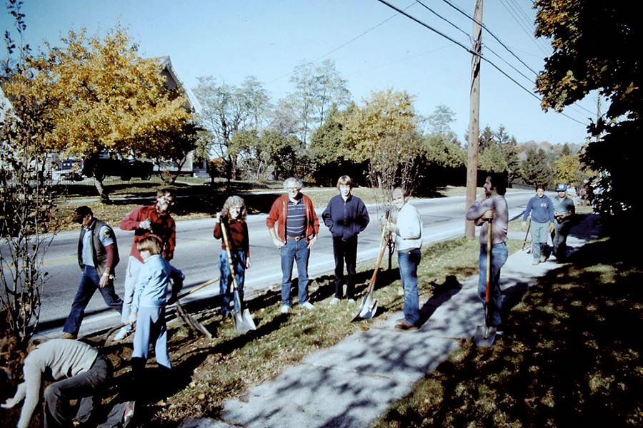 Bernie Sanders and volunteers planting trees on North Avenue in Burlington, 1985 - COURTESY OF WARREN SPINNER