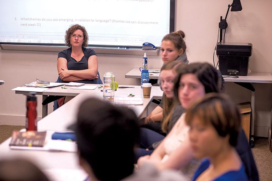 Shawna Shapiro teaching at Middlebury College - CALEB KENNA