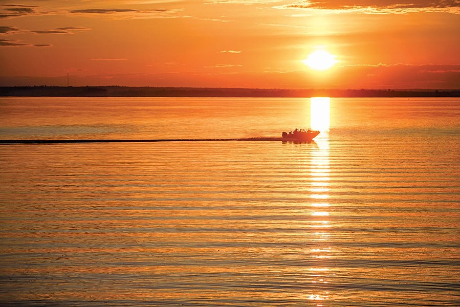 Power boating in Lake Champlain - FILE: OLIVER PARINI