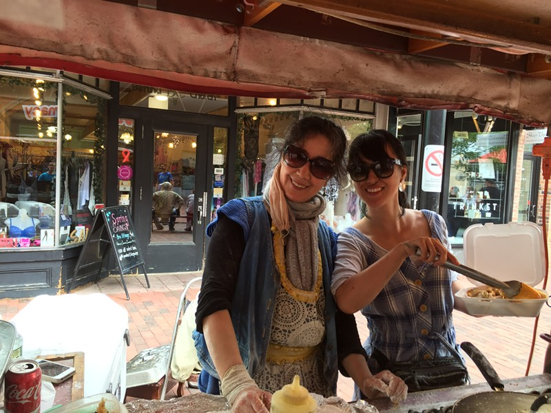 Hong Yu and Lisa Li at Hong's Dumpling Cart - SALLY POLLAK