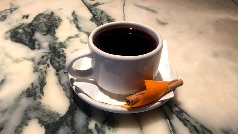 Glug cocktail at Leunig's Bistro & Cafe