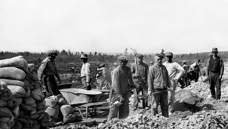 The Altona Dam Altona Dam east bank, circa 1911 Courtesy Of William H. Miner Agricultural Research Institute