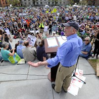New Slideshow Congressman Peter Welch (D-Vt.) speaking on the Statehouse steps Jeb Wallace-Brodeur