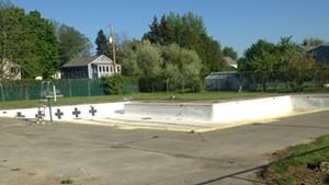 The bone-dry pool