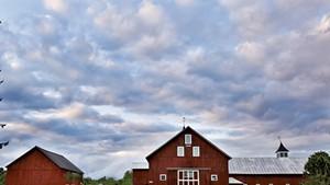 The rustic barn at the Inn at Mountain View Farm
