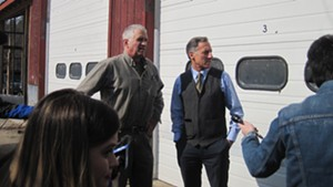 Ron Pembroke, left, and Gov. Peter Shumlin discussing the water contamination