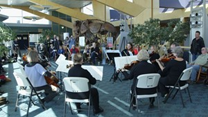 Me2/Orchestra Plays Bach at the Airport [SIV436]