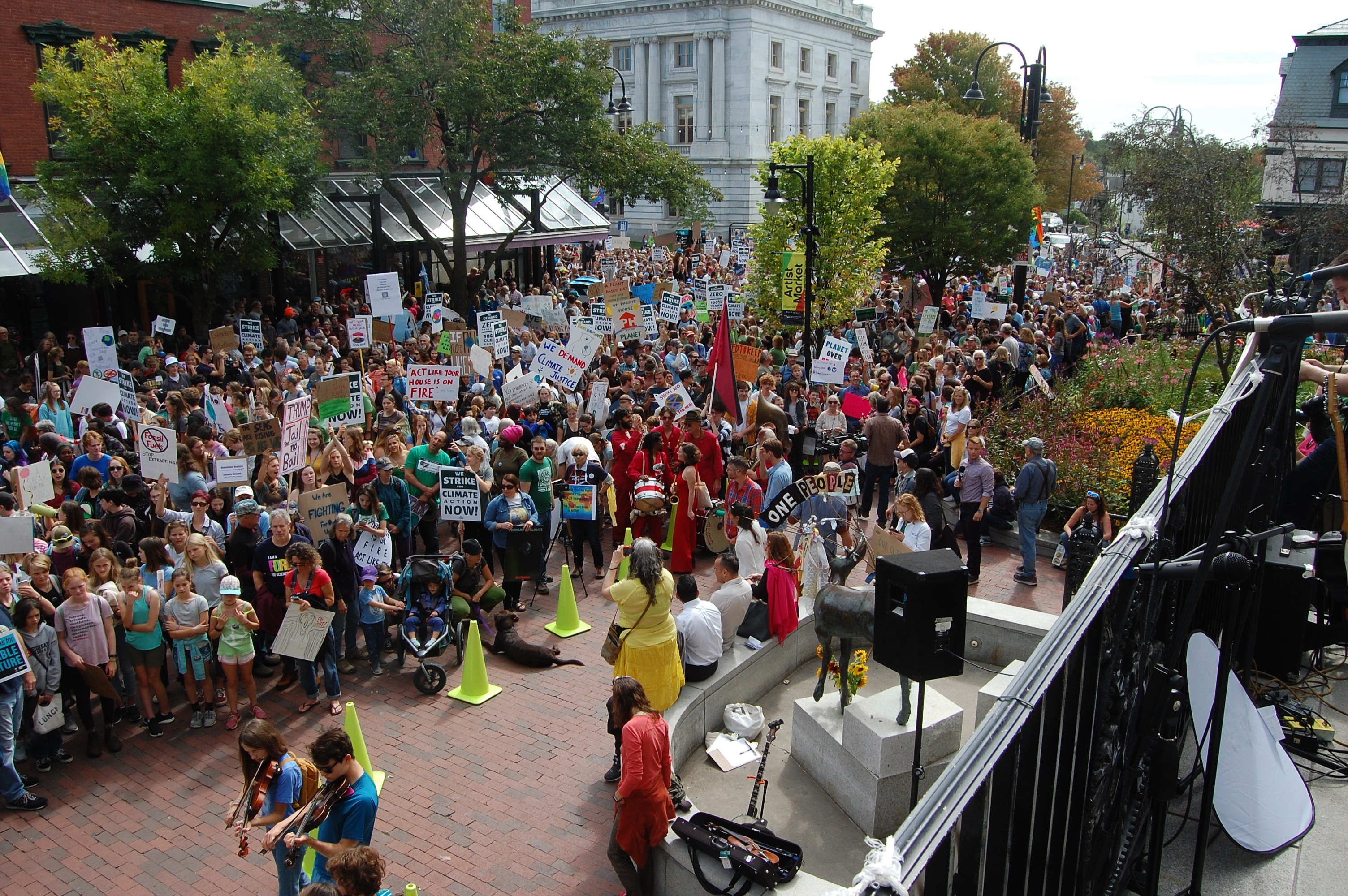 Vermont Youths Join Massive Global Climate Protests