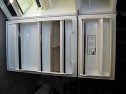 fridge_open_detail_2.jpg