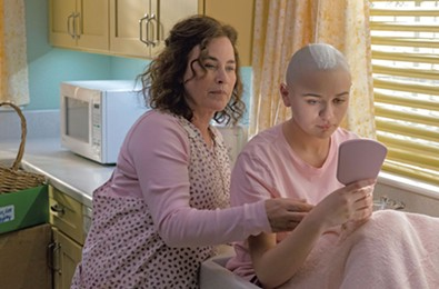 Home Is Where the Con Is in True-Crime Drama 'The Act'