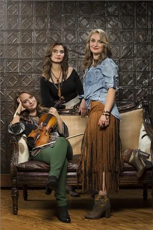 quebe_sisters-calendar-spotlight-ravin.jpg