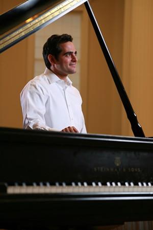 malek-jandali-composer-pianist-3.jpg