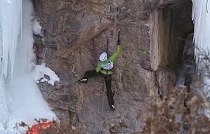 315a7ae5_climbing_andrea-charest.jpg