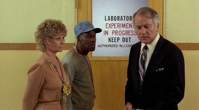 Sue Ann Langdon, Scatman Crothers and Robert Mandan in Zapped! - EMBASSY PICTURES