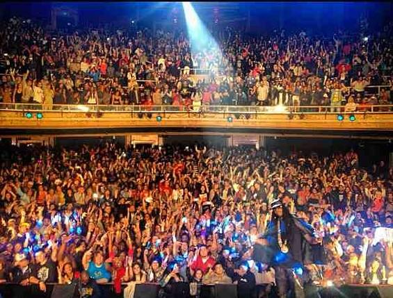 2 Chainz on stage at The Warfield on December 16. - INSTAGRAM/HAIRWEAVEKILLER