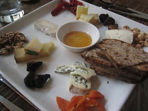 A cheese plate at Bar Bambino - SANFRANANNIE VIA FLICKR