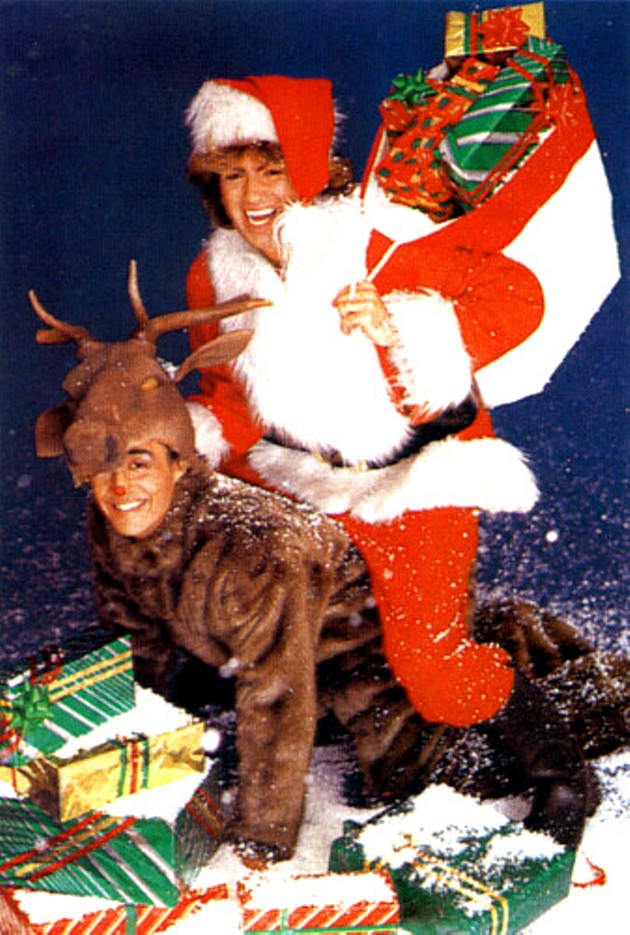 A Second-By-Second Breakdown of the Worst Christmas Music Video Ever ...