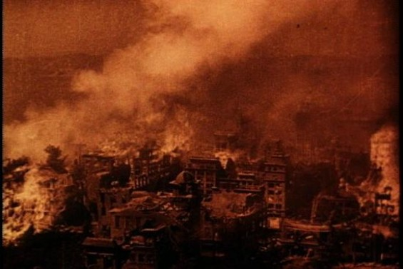 """A still from the '06 earthquake scene in """"Old San Francisco"""""""