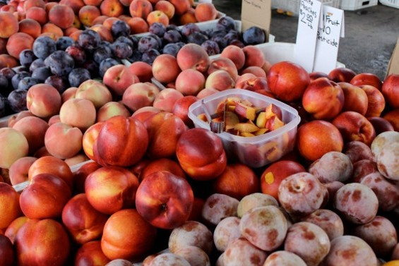 A trip to the Alemany Farmers' Market for stone fruit. - ALEXIS KATSILOMETES