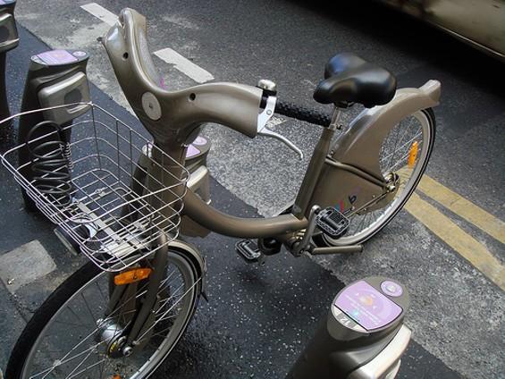 A Velib bike in Paris. - FLICKR/AUSTINEVAN