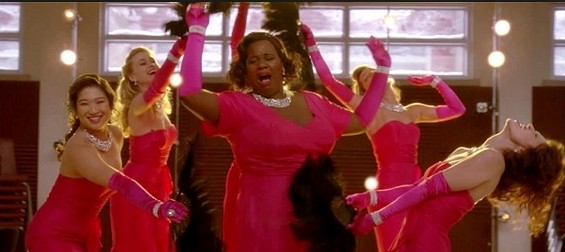 """Alex Newell performs as Wade """"Unique"""" Adams on Glee"""