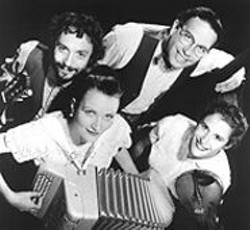 Baguette Quartette puts the squeeze on Parisian cafe - music.