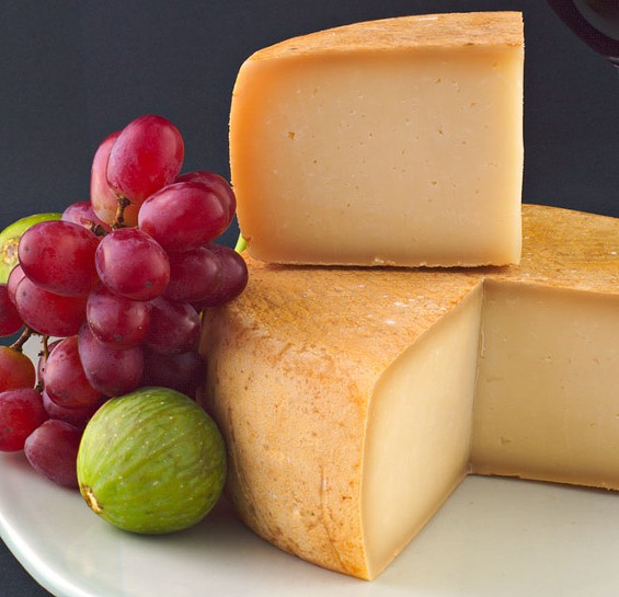 cheese_grapes.jpg