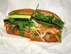 LUIS CHONG - BBQ chicken sandwich.