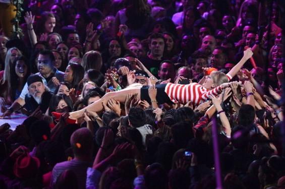 Best Stage Diver: Taylor Swift.