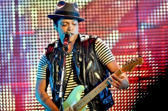 Bruno Mars last night in S.F. - CALIBREE PHOTOGRAPHY
