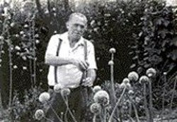 MICHAEL  MONTFORT - Bukowski: Born Into This.