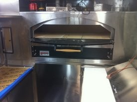 Casey's on-board pizza oven. - CASEY'S PIZZA/FLICKR