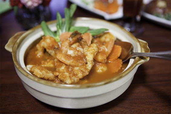 Chabaa's gaeng som, or sour orange curry. - MARIANNE1123/FLICKR