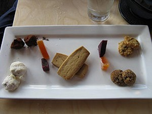 Citizen Cake's cookie plate. - SADSNAPS/FLICKR