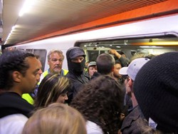 Commuters felt like protesting protesters