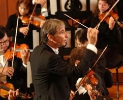 Conductor Michael Tilson Thomas - KRISTEN LOKEN
