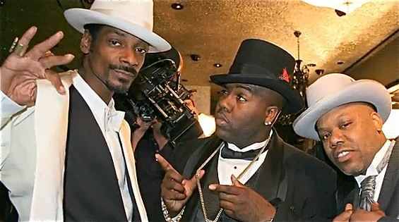 """D-Ray freezes a moment of the Snoop Dogg, Mistah F.A.B., and Too $hort video shoot for """"Life of the Party."""" - D-RAY"""