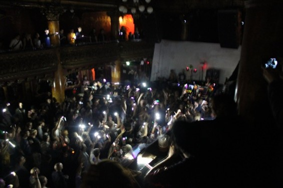 dan_deacon_gamh_4_phones.jpg