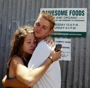 Danielle Fetzer and Steven Pociunas, volunteers at Rawesome Foods in Venice, after the store was raided - GENARO MOLINA/LOS ANGELES TIMES