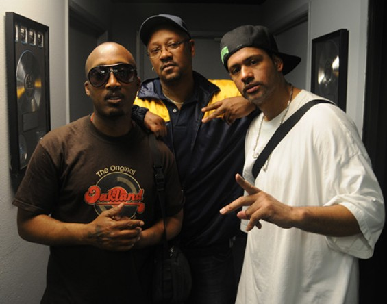 Davey-D (center), pictured with D'Wayne Wiggins and Tony Coleman - EKAPHOTOGRAPHY