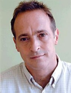 HUGH  HAMRICK - David Sedaris makes us chortle.