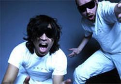 KNUT AASERUD - Doing the discotrash dance with Datarock.